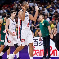 FIBA suspendió a 3 árbitros